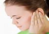Giải mã điềm báo ù tai trái, ù tai phải theo giờ chính xác