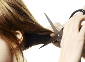 Nằm mơ thấy cắt tóc là điềm báo gì, may mắn hay xui xẻo với bạn?