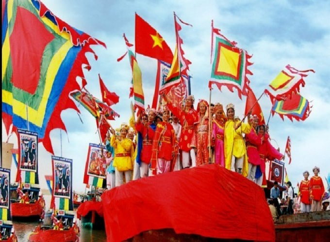 Lễ hội đặc sắc tháng 8 âm lịch
