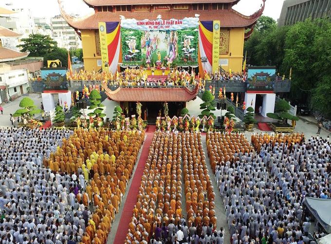 Lễ Phật đản là một trong ba ngày lễ lớn trong Phật Giáo