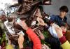 Đi lễ chùa xoa tiền lên tượng Phật để cầu may có nên không?